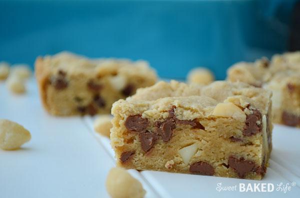 MilkChocolateMacadamiaBlondies3