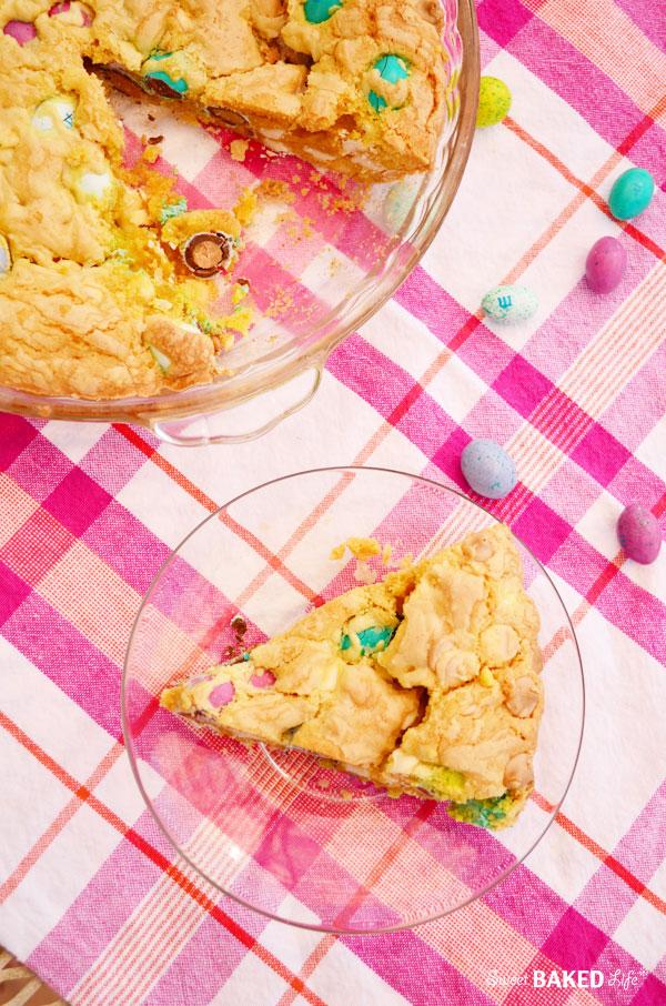 Peanut Butter and White Chocolate Blondie Pie