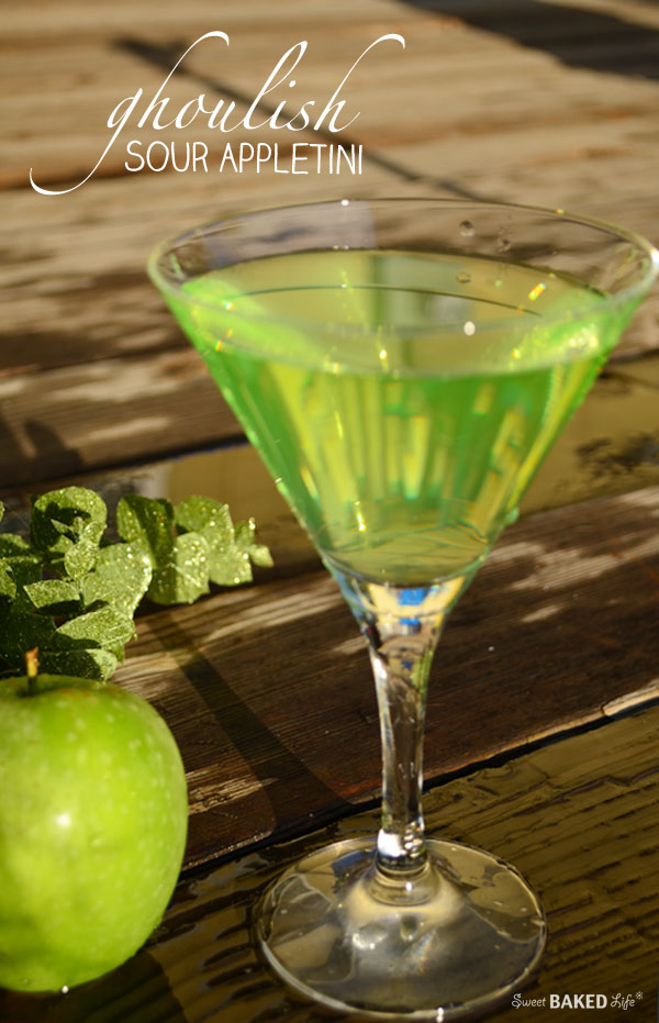 Ghoulish Sour Appletini