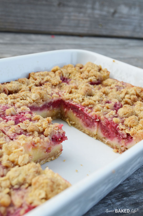 Lemon Raspberry Oat Crumble Bars - a sweet and tart treat!