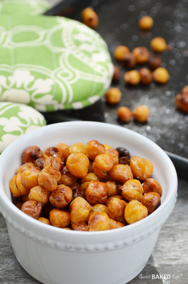 Crunchy Roasted Chickpeas - get healthy on the go! | Sweet Baked Life