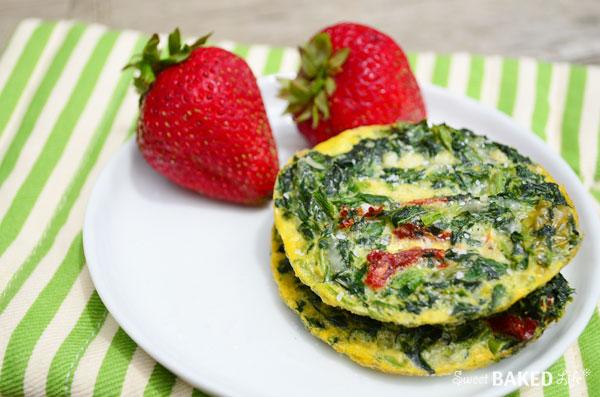 Skinny Spinach Frittatas @sweetbakedlife