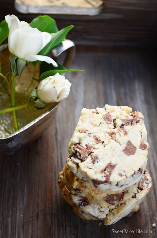 Chocolate Almond Shortbread Cookies | Sweet Baked Life