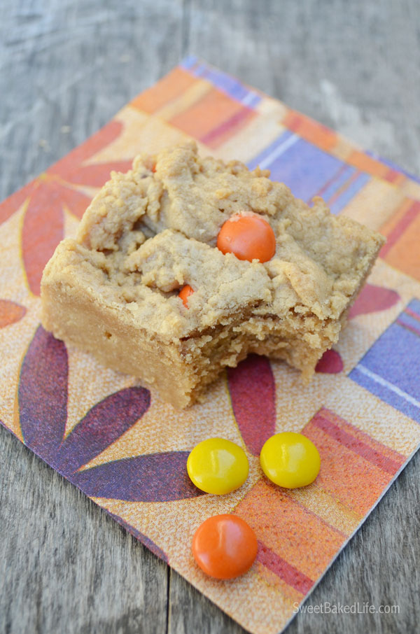 Reese's Pieces Peanut Butter Blondies - soft and scruptious! | Sweet Baked LIfe