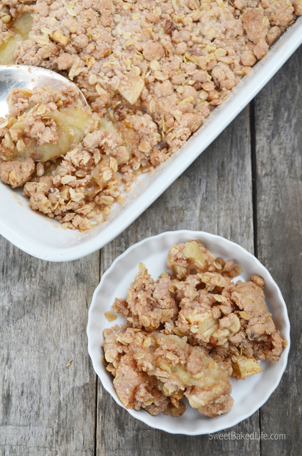 Snickerdoodle Apple Crumble | Sweet Baked Life