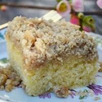 Fluffy Crumb Cake