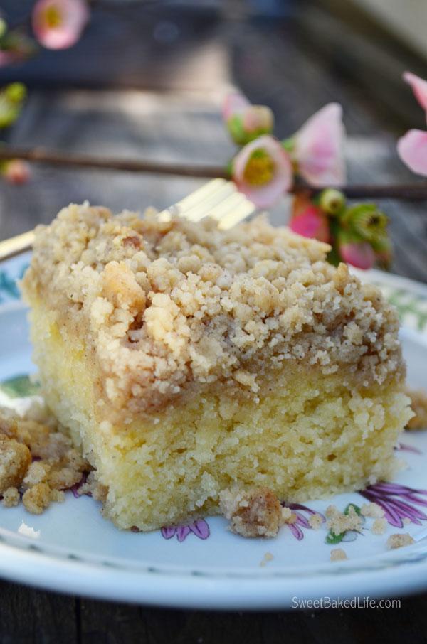 Fluffy Crumb Cake | Sweet Baked Life