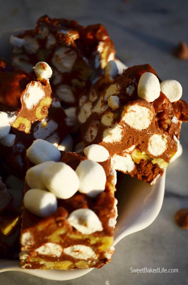 Super easy Rocky Road Fudge | Sweet Baked Life