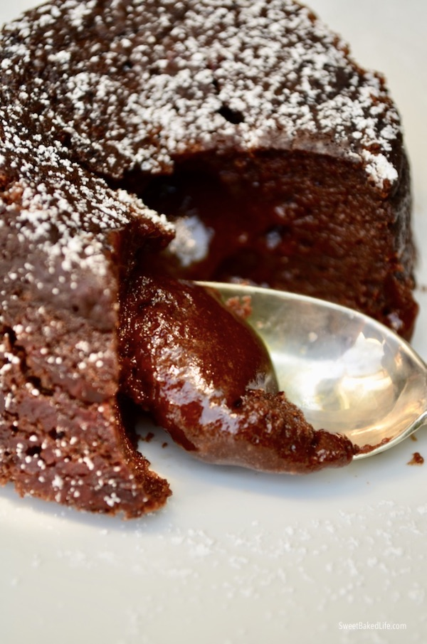 Chocolate Molten Lava Cakes @sweetbakedlife