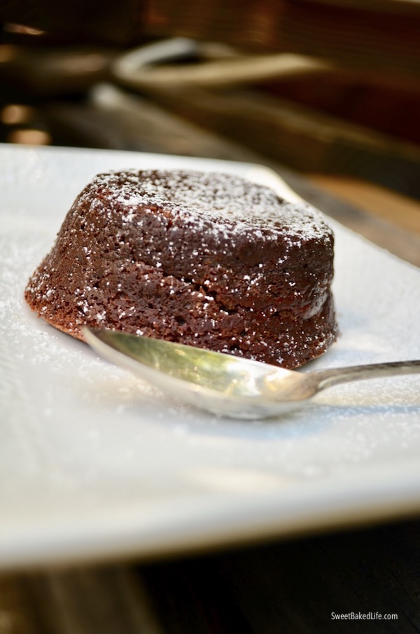 Chocolate Molten Lava Cakes @sweetbakedlife