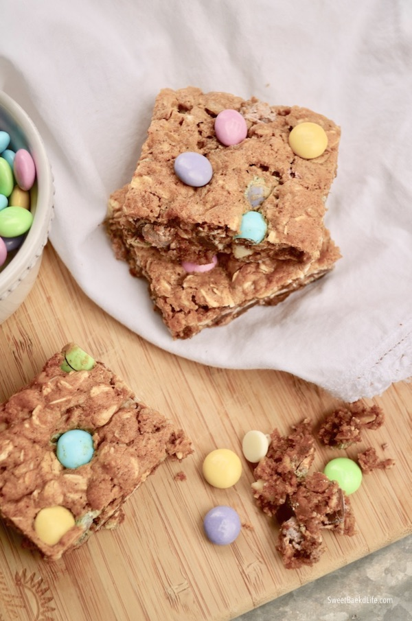 These springtime inspired Oatmeal Chocolate Cookie Bars are fabulous and Gluten-Free   Sweet Baked Life