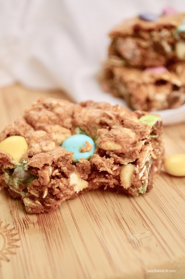 These springtime inspired Oatmeal Chocolate Cookie Bars are fabulous and Gluten-Free | Sweet Baked Life