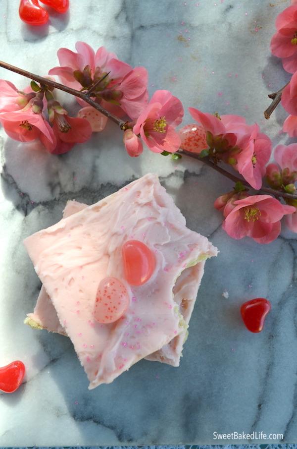 Soft and pretty Valentine Sugar Cookie Bars @sweetbakedlife