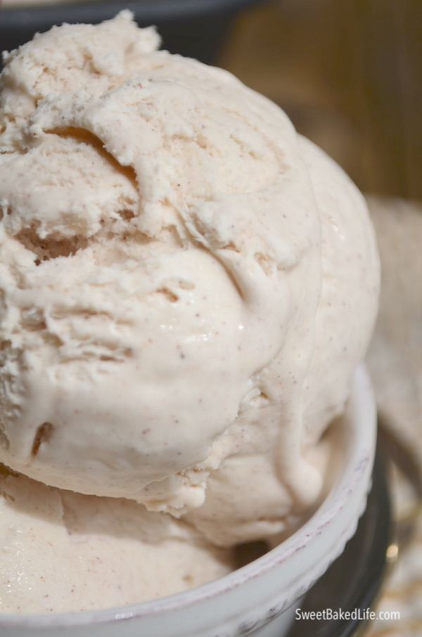 No churn Cinnamon Ice Cream @sweetbakedlife