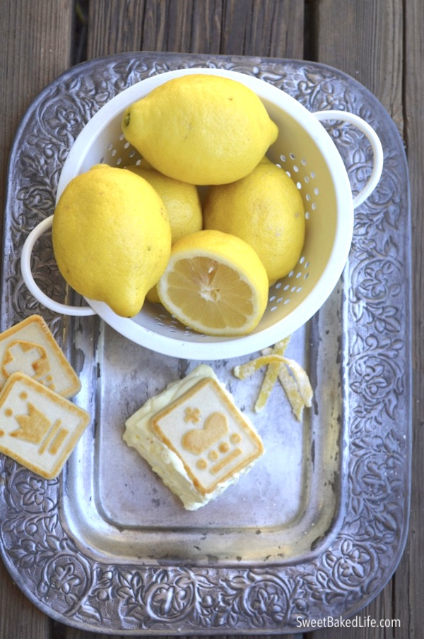 You've got to try this no-bake Lemon Layered Dessert @SweetBakedLife